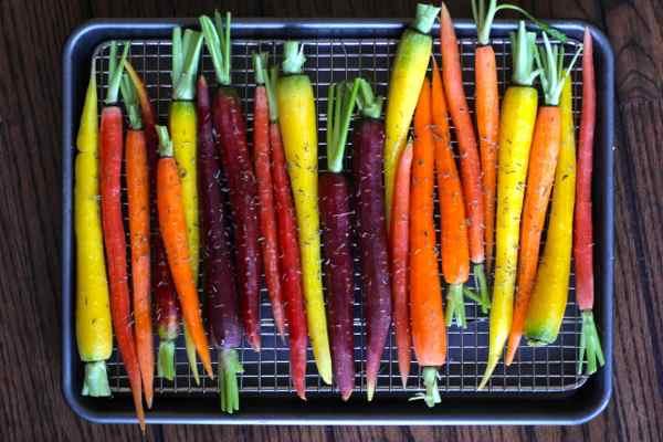 carrots in pan