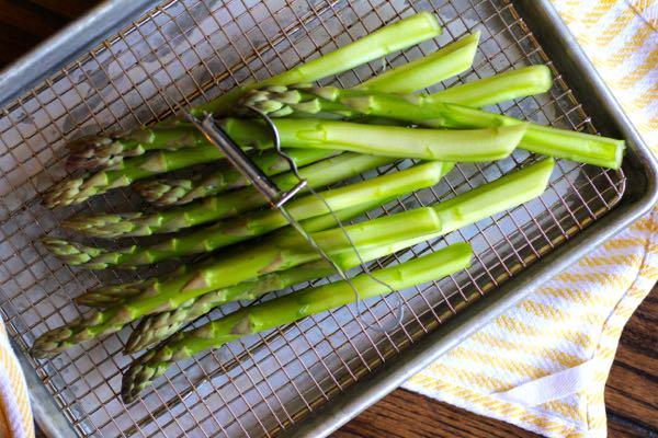 asparagus, naked on the bottom